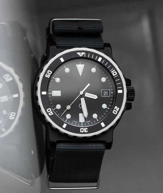 PVD quartz 200m diver