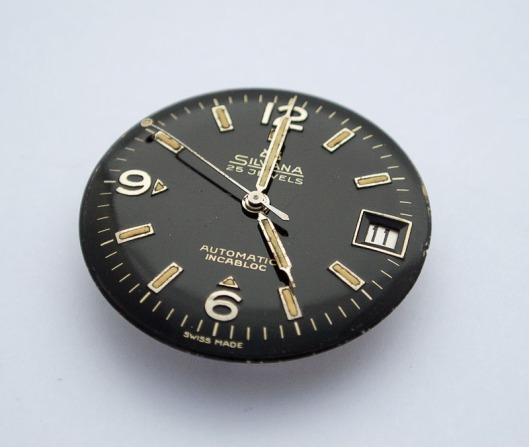 Gloss black dial from Silvana divers watch