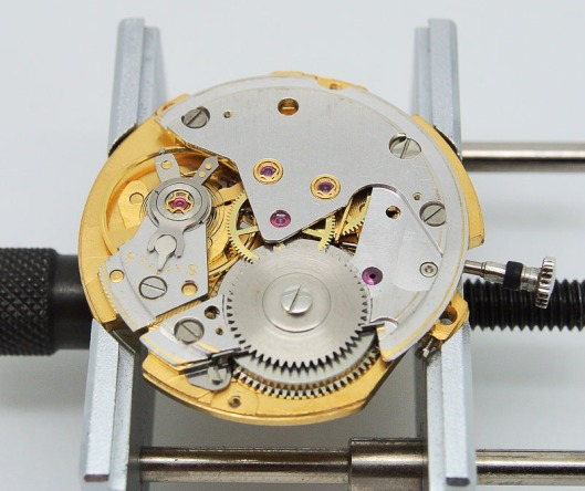 Seiko 6217 hybrid movement