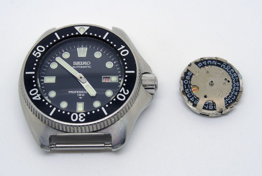 Seiko 2205 diver and movement