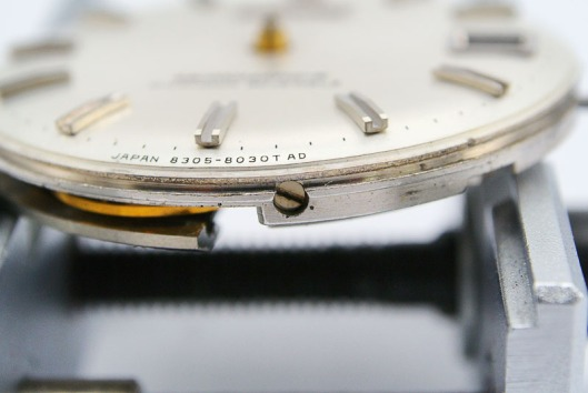 Seiko 8305 dial screw