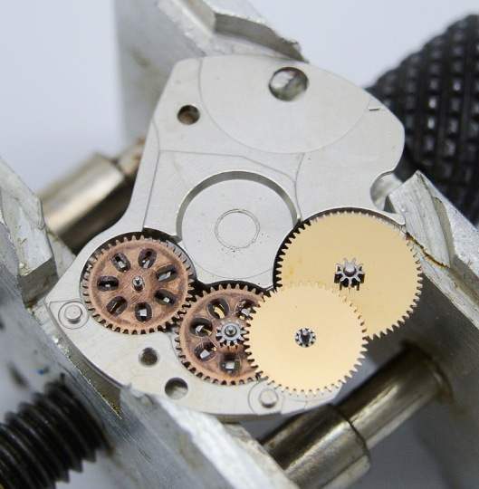 Autowinder device