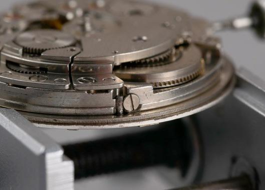 dial-foot-screw