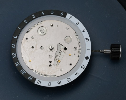 Dial removed from the Orient movement