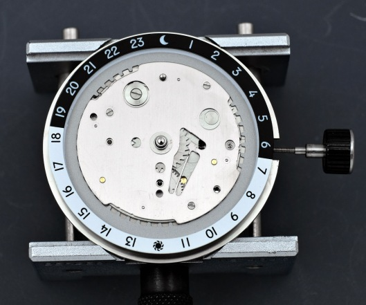Fitting the dial guard