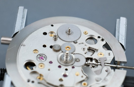 Power reserve wheel refitted to the movement